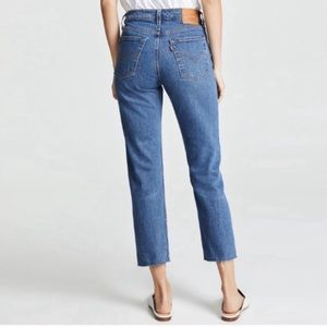 Levi's wedgie straight high rise jeans 32